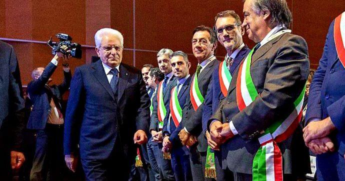 """Mattarella, il discorso all'Anci: """"A Venezia ritardi non più accettabili. Soluzione per Taranto è di primaria importanza per il Paese"""""""