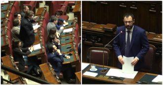 """Patuanelli: """"A oggi 149 vertenze, ottimista su Alitalia"""". Su Ilva non si scopre: """"In corso interlocuzioni"""". Centrodestra: """"Chiedete scusa"""""""