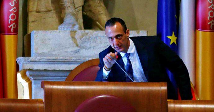 """Roma, De Vito torna a presiedere il Consiglio comunale dopo la revoca dei domiciliari. Il suo saluto all'Aula: """"Dove eravamo rimasti"""""""