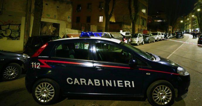 Caserta, auto e camion di traverso per bloccare le vie d'accesso al centro di Aversa: il raid dei banditi per svaligiare una filiale bancaria