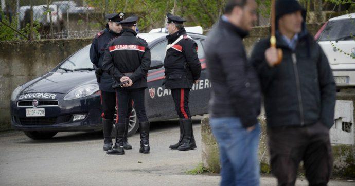 Bologna, muore avvelenato nella propria auto. Fermati due amici: gli avrebbero rubato 2mila euro dal bancomat