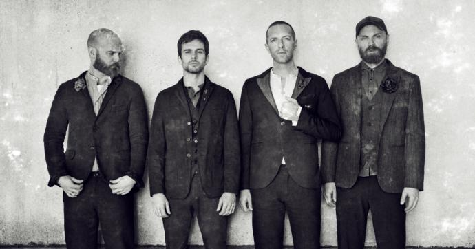 """Coldplay in """"Everyday Life"""" tra sogni e denuncia per i diritti umani negati, poi annunciano """"mai più tour finché non saranno eco-sostenibili"""", ma il motivo è un altro. Ecco quale"""