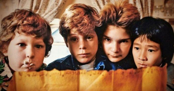 I Goonies, torna al cinema la celebre commedia: 9, 10, 11 dicembre le date per ritrovare Bocca, Chunk, Mikey