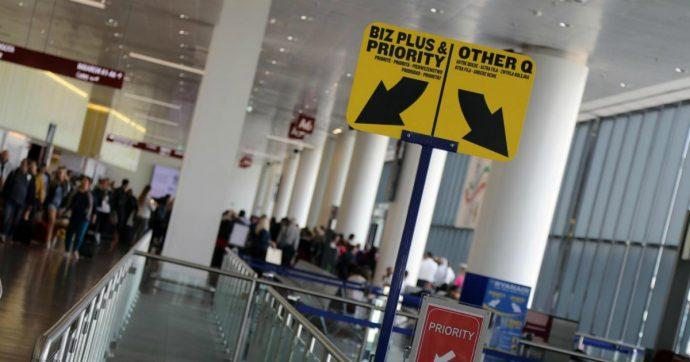 Ryanair condannata a Madrid. Ma non servirà a ripristinare la vecchia policy sui bagagli