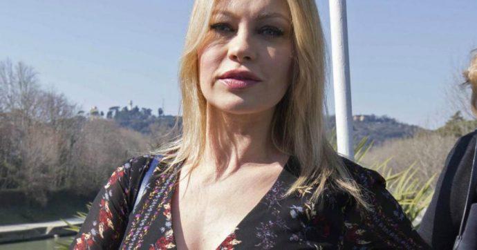 """Anna Falchi: """"Ho visto gli ufo. C'era un disco volante parcheggiato nel campo davanti a casa mia"""""""