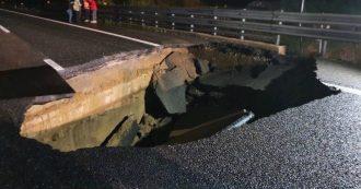 """Maltempo, si apre voragine sulla A21 Torino-Piacenza: """"Un'auto l'ha evitata per un soffio"""""""
