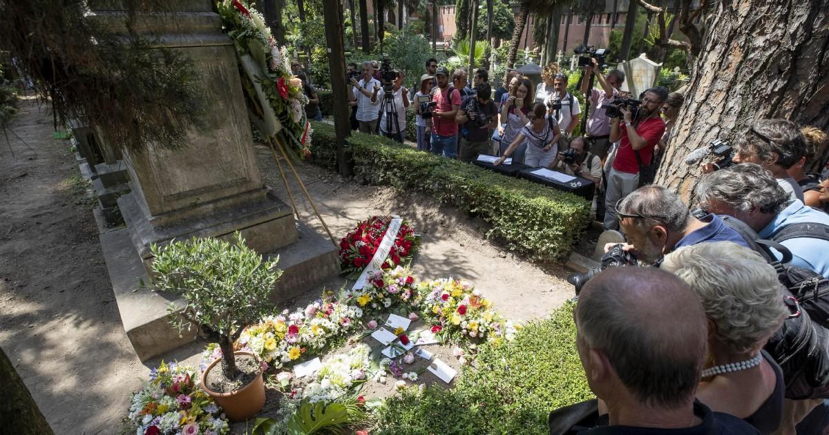 La memoria è una tomba e il cimitero è per i vivi