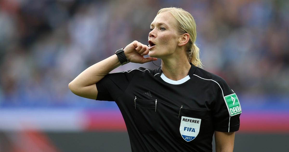 Supercoppa italiana 2019, alla parità di genere nel calcio manca solo un fischio