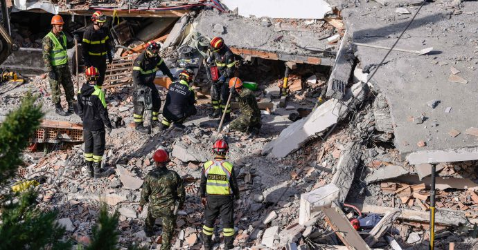 Terremoto in Albania, la fidanzata del figlio del premier muore sotto le macerie con la famiglia