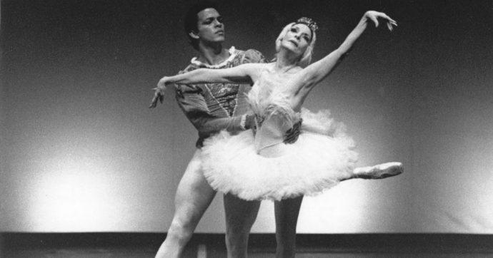 Alicia Alonso, la storia della ballerina cieca che collaborava con Fidel Castro: stella cubana del balletto, diva del popolo