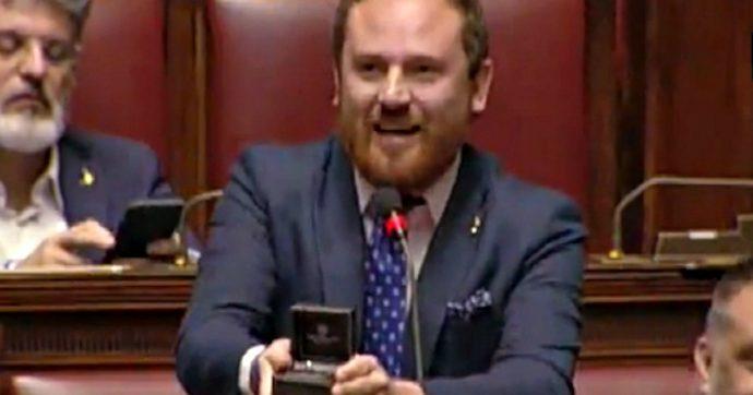 Camera, la proposta di matrimonio dimostra quanto sia degradata la figura del deputato
