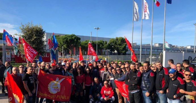 Bosch, il gruppo annuncia 620 esuberi nello stabilimento di Bari: sciopero degli operai. Il governo chiede confronto coi vertici europei