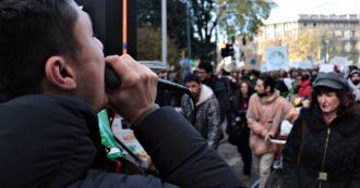 """Milano, studenti in corteo per il clima: """"Dalla politica solo spot, nessun provvedimento efficace. Decreto clima? Svuotato"""""""