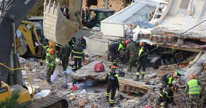 """Terremoto Albania, corruzione e abusivismo ostacolano i soccorritori italiani: """"Mancano anche le carte catastali dei palazzi crollati"""""""