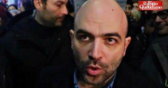 """Milano, Saviano con le Sardine: """"Salvini ha paura di voi. Piazza bellissima senza leader né 'vaffa'"""""""