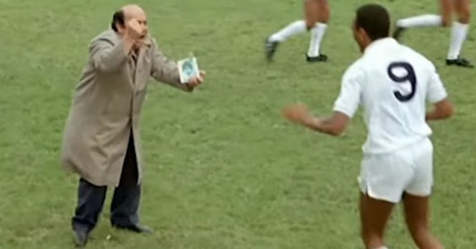 """Kitikaka (Oronzo Canà edition) – 35 anni fa usciva L'allenatore nel pallone. Lino Banfi al Fatto.it: """"Diritti? Mai preso un amato chezzo"""""""