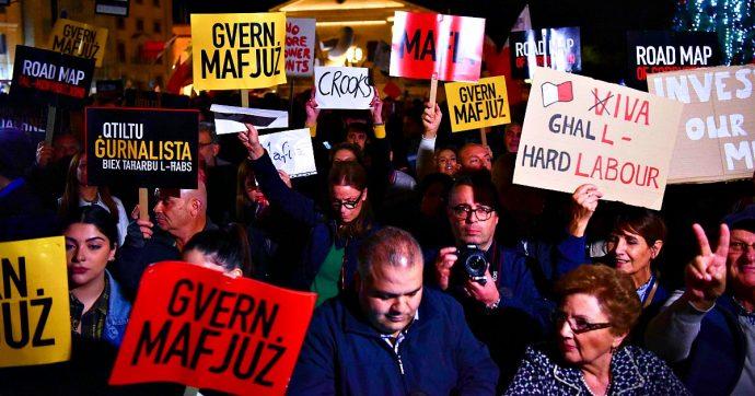 Malta, parlamentari bloccati in Parlamento dai manifestanti che chiedono dimissioni immediate del premier Muscat