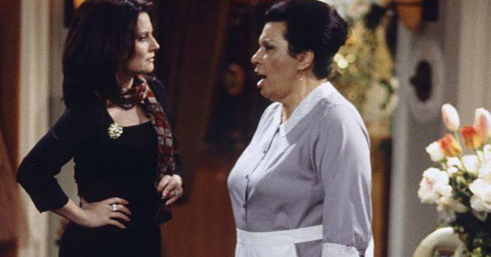 """Shelley Morrison morta, addio alla Rosario di """"Will & Grace"""": il suo personaggio pensato per un solo episodio divenne tra i più amati della serie"""
