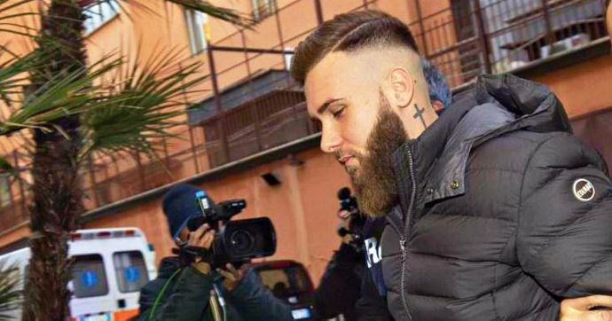 """Omicidio Luca Sacchi, Del Grosso: """"Era la prima volta che prendevo un'arma in mano"""". Difesa Princi: """"Addolorato per morte amico"""""""