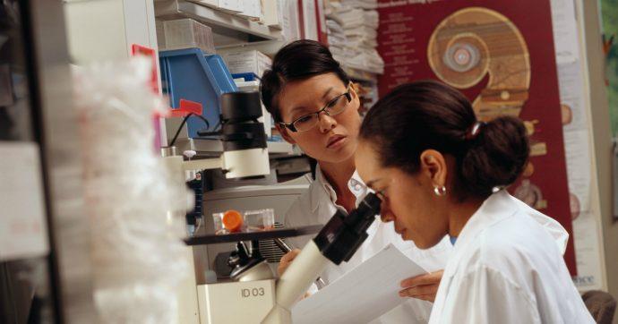 Coronavirus, dai farmaci antivirali alle erbe tradizionali: oltre 80 test in corso in Cina per trovare terapia