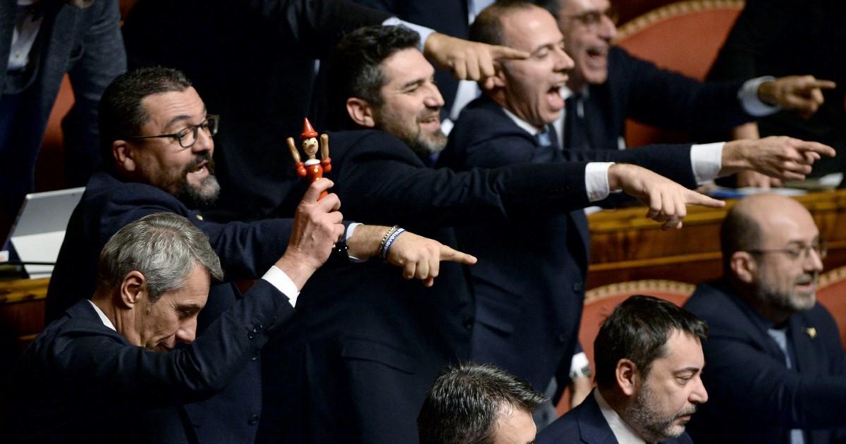L'avvocato Giuseppe e la sfinge Giggino, il lungo addio tra acronimi e Pinocchi