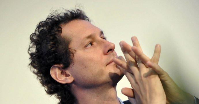 John Elkann punta sull'editoria e compra da De Benedetti. Così il nuovo eroe 'si libera' dell'auto