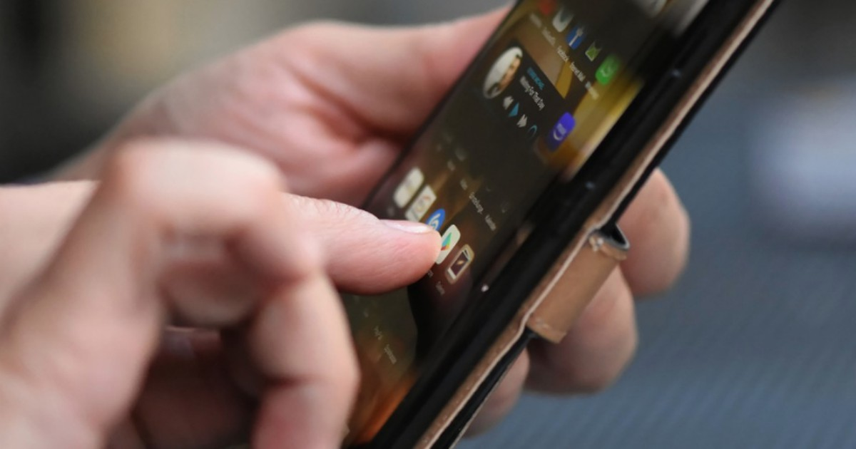 Google sviluppa delle app per staccarci dai telefonini. E così cediamo anche il controllo del nostro controllo