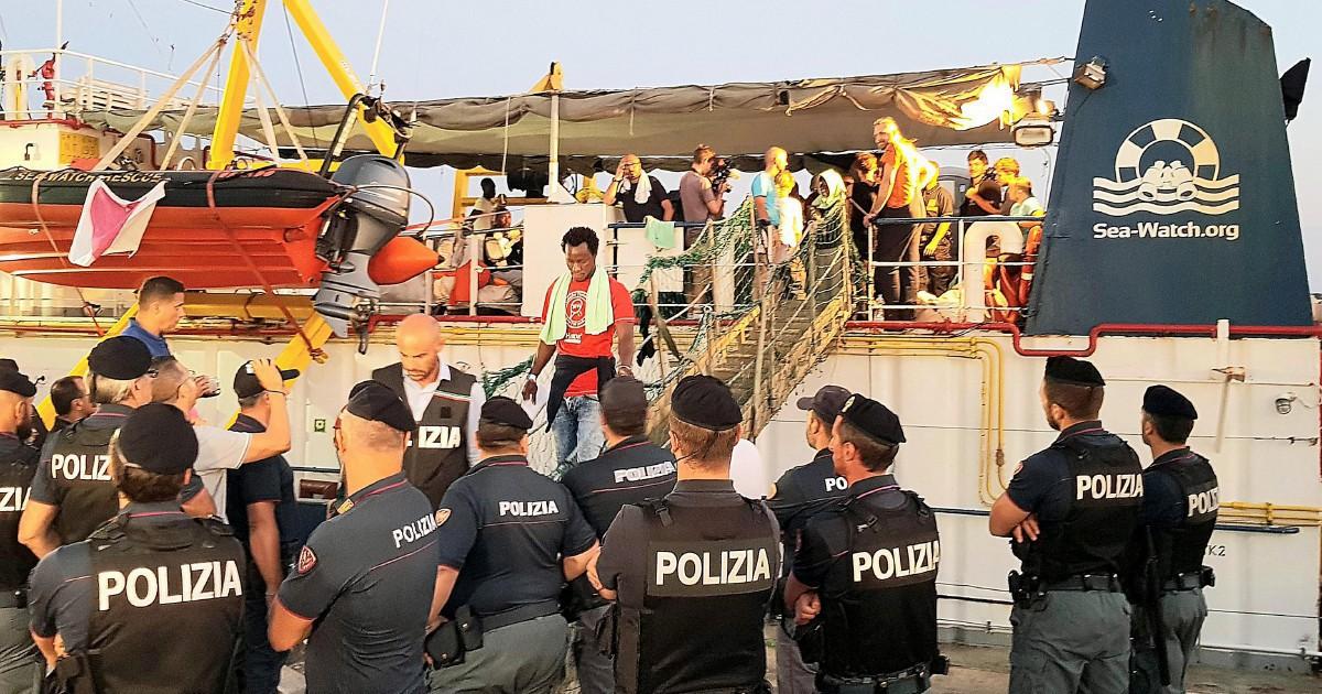 I naufraghi di Carola mollati da Berlino: in Italia senza diritti