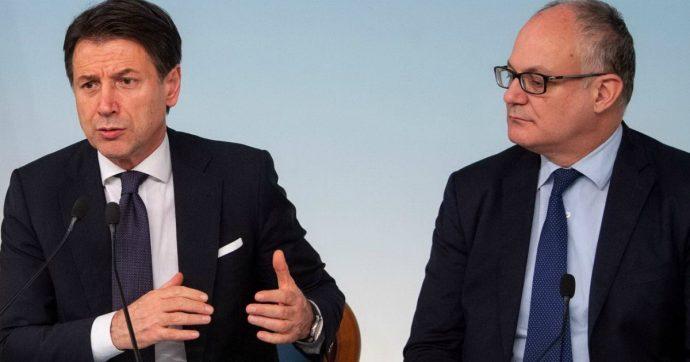 Manovra, Conte e Gualtieri cedono ai renziani: plastic tax ridotta dell'85% e rinviata a luglio, sugar tax slitta a ottobre