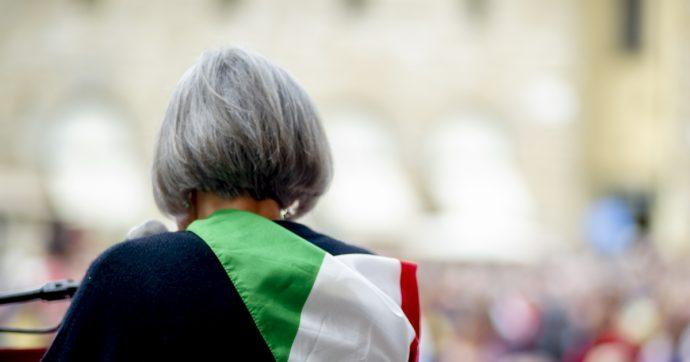 """Censis, il 48% degli italiani vuole l'uomo forte alla guida del Paese. Connazionali """"impoveriti e più individualisti"""""""