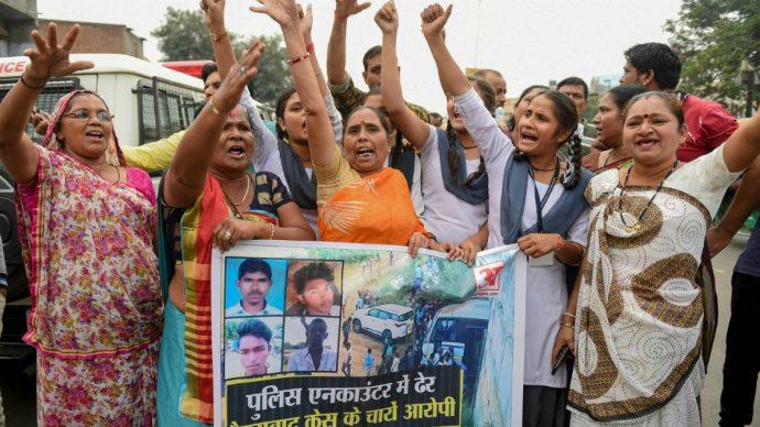Femminicidi e la necessità di fare qualcosa: così ci provano le donne in India