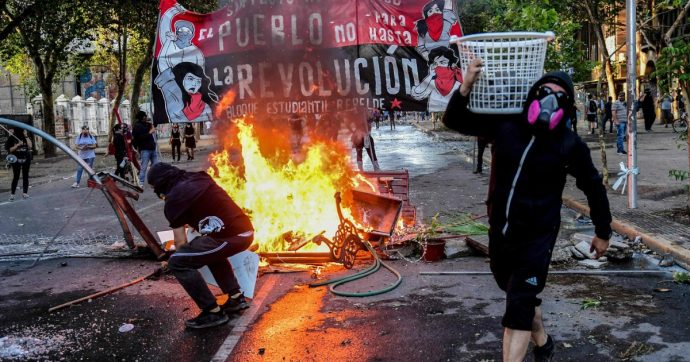 Cile, il sindaco di Valparaìso mi spiega: 'La violenza di piazza è una trappola politica. Ora il movimento passi alla proposta'