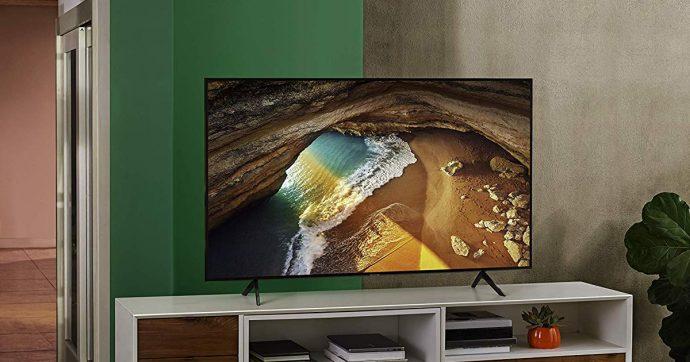Samsung Q60R, smart TV QLED 4K da 49 pollici a metà prezzo su Amazon