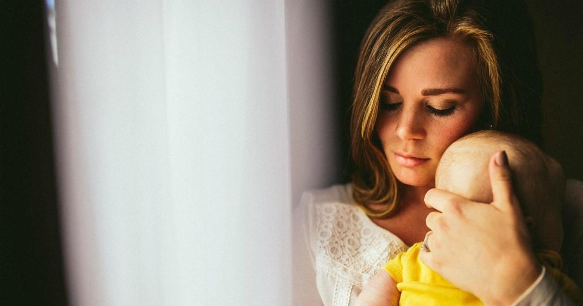 La nascita di un figlio è uno tsunami. E la prevenzione può evitare disturbi post partum