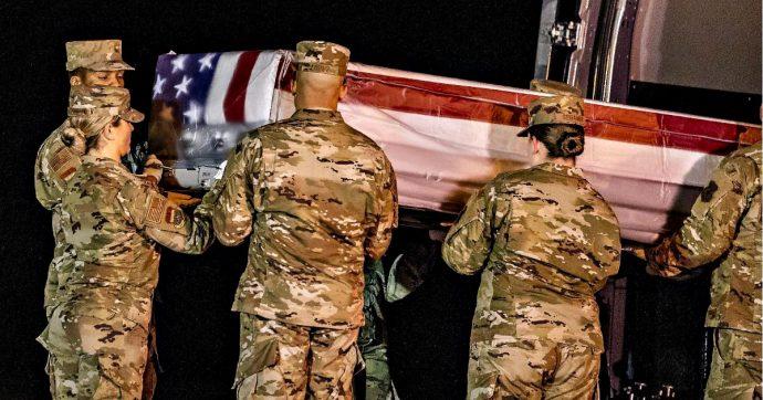 """Florida, Fbi indaga per terrorismo dopo la sparatoria nella base militare di Pensacola: """"Assassino aveva acquistato arma legalmente"""""""