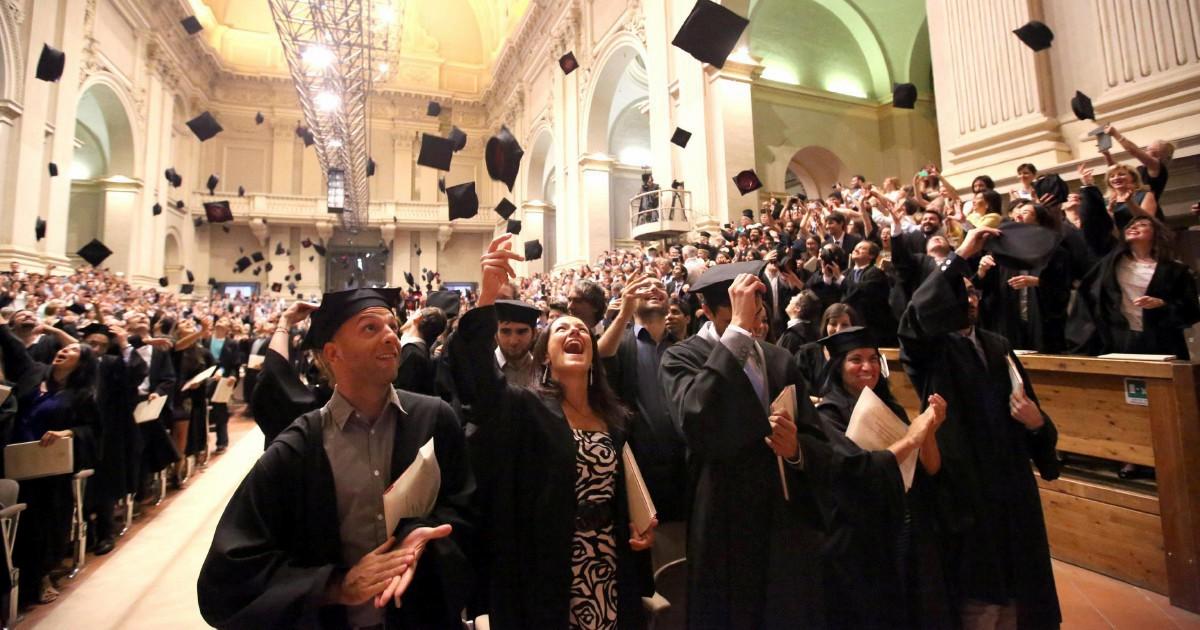 Riscatto laurea: a chi conviene arrivare prima alla pensione