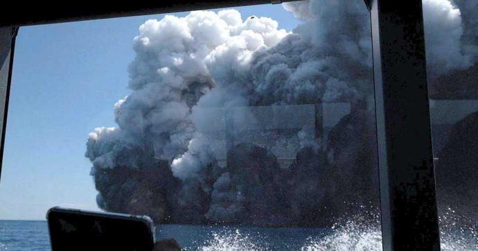 Nuova Zelanda, erutta il vulcano Waakari: 5 morti e diversi dispersi. 23 turisti soccorsi