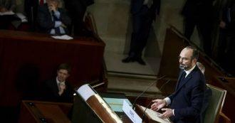 """Francia, Philippe presenta riforma pensioni: """"Non riguarderà i nati prima del 1975"""". I sindacati: """"Sciopero ancora più duro"""""""