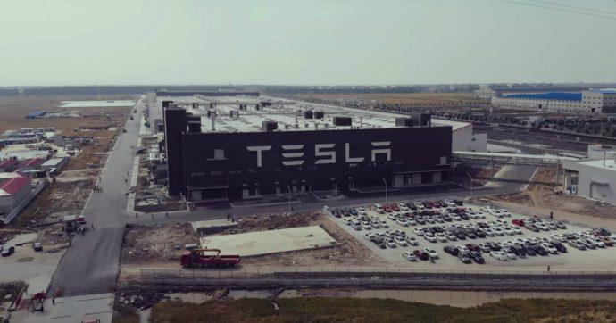 Tesla, finisce il 2019 con il boom di vendite e inizia il 2020 con l'auto cinese