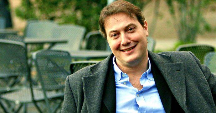 Corrado Guzzanti, condannato a 3 anni l'ex manager che lo truffò e derubò. Giudice dispone risarcimento da mezzo milione