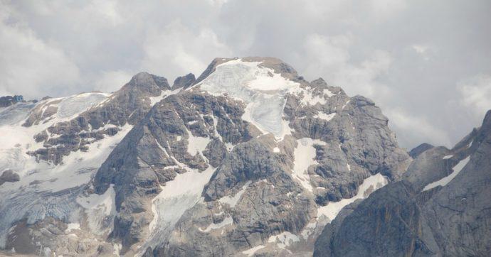 """Clima, entro 30 anni il ghiacciaio della Marmolada potrebbe scomparire. Gli esperti del Cnr: """"Il destino della montagna è segnato"""""""