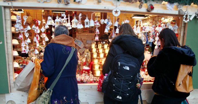 """Roma, chiuso e sequestrato il mercatino di Natale a piazza Navona: """"Cavi scoperti, allacci abusivi alla corrente e merce pericolosa"""""""