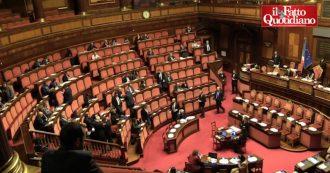 Open, Renzi parla al Senato: è per metà vuoto. Freddezza da parte del Pd