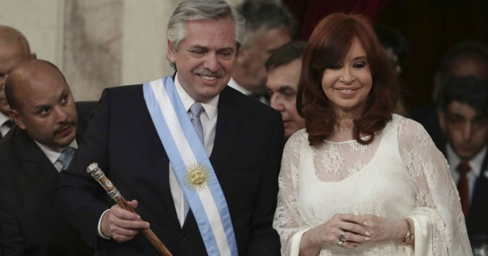 Argentina, i peronisti tornati al governo ereditano un'economia a pezzi. E al Fmi chiedono pazienza