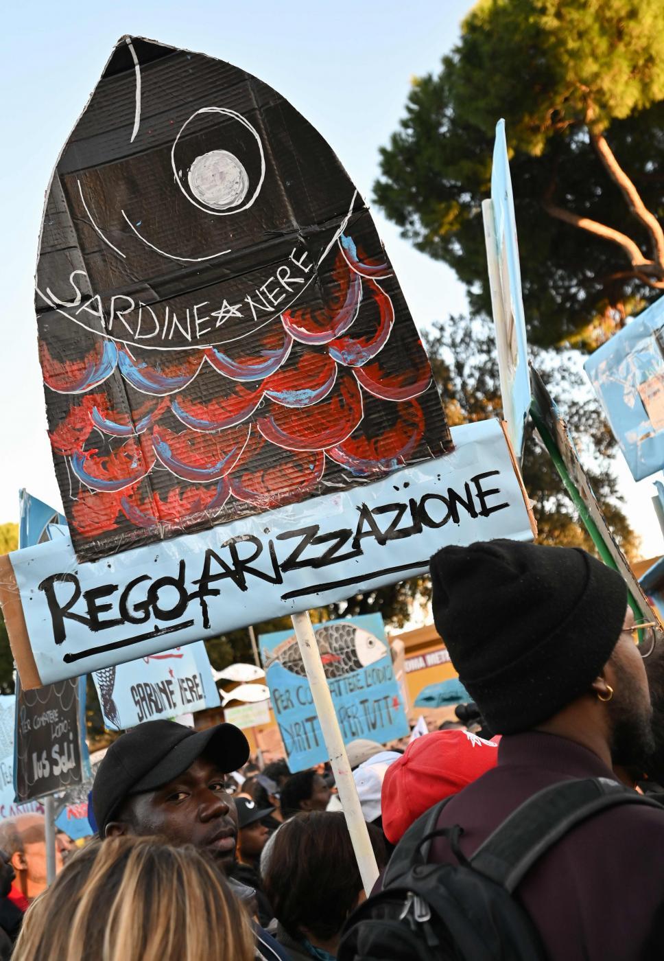 Migliaia di Sardine fanno il pieno anche a Roma. Le ...