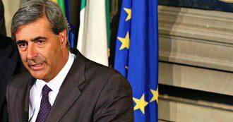 """'Ndrangheta, il presidente della Valle d'Aosta si è dimesso. """"Fotografato mentre entrava nel ristorante di un boss per parlare di elezioni"""""""