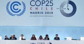 """Cop25, a Madrid il fallimento degli ipocriti del clima. Rinvio sul nodo del mercato del carbonio. Greta Thunberg: """"Ignorano la scienza"""""""