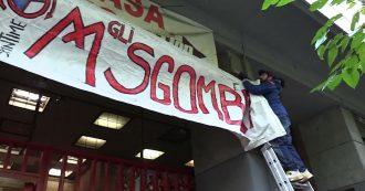 """Sardine, l'assemblea a porte chiuse dopo piazza San Giovanni: all'ingresso lo striscione """"Abbasso gli sgombri"""""""