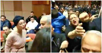 """Reggio Calabria, contestatrice di Salvini insultata dai supporter della Lega: """"Cessa, ammazzati, drogata di m…, fatti una pera"""""""