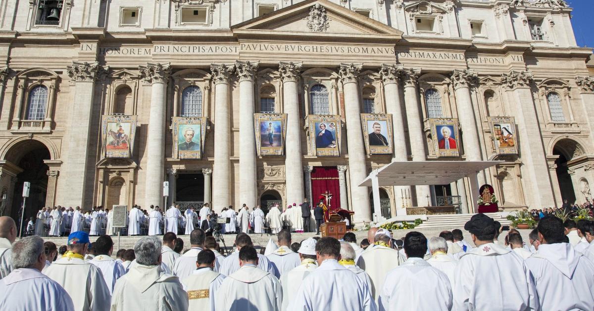 Chiesa, un nuovo sito per seguire le canonizzazioni. Così si traccia l'identikit dei santi